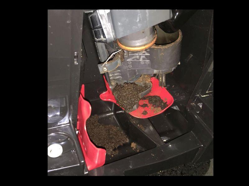 Kaffeevollautomaten Org Eq 9 Bruhgruppe Immer Stark Verschmutzt